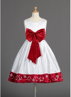 A-Line/Princess Knee-length Flower Girl Dress - Satin Sleeveless Scoop Neck With Embroidered/Sash/Beading/Bow(s) (010014596)