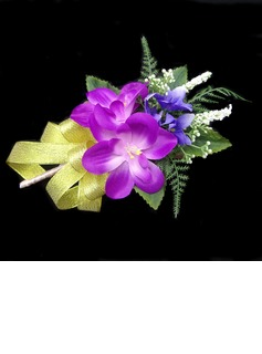 Bright Free-Form Satin/Cotton Boutonniere - (123031438)