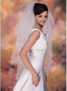 Four-tier Fingertip Bridal Veils With Cut Edge (006020346)