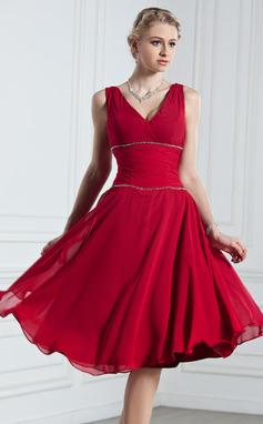 Vestidos princesa/ Formato A Decote V Coquetel De chiffon Vestido de Férias com Pregueado Bordado (020039561)
