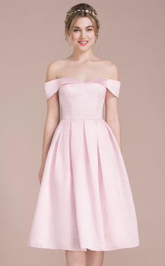 A-Line/Princess Off-the-Shoulder Knee-Length Satin Bridesmaid Dress (007104710)