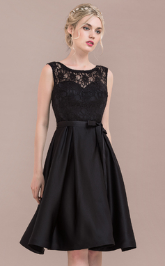 A-Line/Princess Scoop Neck Knee-Length Satin Lace Bridesmaid Dress With Bow(s) (007117363)