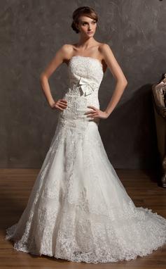Forme Princesse Sans bretelle Traîne moyenne Organza Robe de mariée avec Motifs appliqués Dentelle À ruban(s) (002014958)