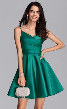 Corte A Decote V Curto/Mini Cetim Vestido de boas vindas (022206526)