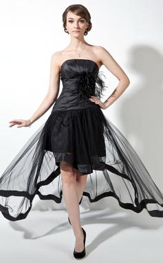 Corte A/Princesa Sin tirantes Asimétrico Tafetán Tul Vestido de baile de promoción con Volantes Pluma (018021078)