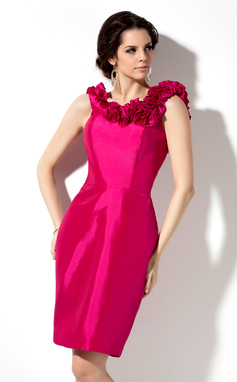 Sheath/Column Scoop Neck Knee-Length Taffeta Bridesmaid Dress With Flower(s) (007004285)