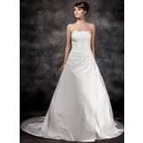Трапеция/Принцесса Без лямок Церемониальный шлейф Атлас Свадебные Платье с Рябь Бисер (002017113)