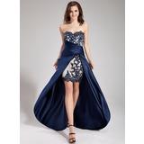 Vestidos princesa/ Formato A Coração Assimétrico Cetim Vestido de baile com Bordado Apliques de Renda Babados em cascata (018019168)