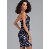Sheath/Column V-neck Short/Mini Sequined Homecoming Dress (022203132)