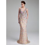 Sheath/Column V-neck Sweep Train Chiffon Prom Dress With Beading (018019097)