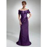 Платье-чехол С Открытыми Плечами Sweep/Щетка поезд Тафта Платье Для Матери Невесты с Рябь Бисер Цветы (008006321)