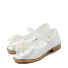 Jentas Titte Tå Leather flat Heel Sandaler Flate sko Flower Girl Shoes med Profilering Imitert Perle Velcro Blomst (207122027)