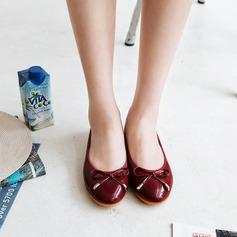 Женщины PU Плоский каблук На плокой подошве Закрытый мыс с бантом обувь (086142473)