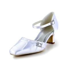 Женщины Атлас Низкий каблук (рюмка) Закрытый мыс На каблуках с пряжка Ruched (047036489)