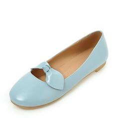 Женщины PVC Плоский каблук На плокой подошве Закрытый мыс с бантом обувь (086153761)