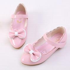 Flicka Stängt Toe konstläder platt Heel Platta Skor / Fritidsskor Flower Girl Shoes med Bowknot Kardborre Rufsar (207150959)