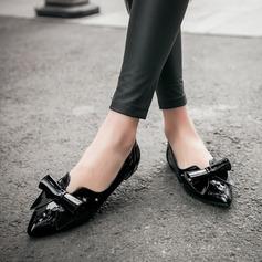 Женщины PU Плоский каблук На плокой подошве Закрытый мыс с бантом обувь (086145710)