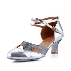 Mulheres Couro Saltos Moderno Salão de Baile com Correia de Calcanhar Sapatos de dança (053041582)
