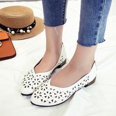 Женщины кожа Низкий каблук На плокой подошве Закрытый мыс с В дырочку обувь (086164486)