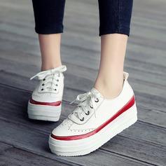 Mulheres Couro Plataforma Fechados Calços com Aplicação de renda sapatos (086119378)