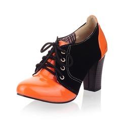 Wildleder Lackleder Stämmiger Absatz Absatzschuhe Geschlossene Zehe mit Zuschnüren Schuhe (085042914)