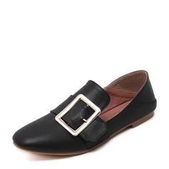 Женщины PU Плоский каблук На плокой подошве Закрытый мыс с пряжка обувь (086141366)
