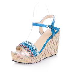 Konstläder Kilklack Sandaler Pumps Plattform Peep Toe Slingbacks med Spänne skor (087048916)