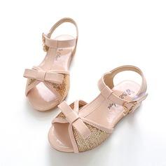 Jentas Titte Tå Leather flat Heel Sandaler Flate sko Flower Girl Shoes med Bowknot Spenne Glitrende Glitter Velcro (207112600)