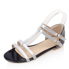 Женщины Лакированная кожа Плоский каблук Сандалии На плокой подошве с пряжка обувь (087155482)