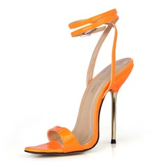 Mulheres Couro Brilhante Salto agulha Sandálias Sapatos abertos com Fivela sapatos (087051971)