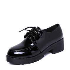 Женщины Лакированная кожа Низкий каблук Платформа Закрытый мыс с Шнуровка обувь (086137048)