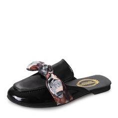 Женщины кожа Плоский каблук На плокой подошве Закрытый мыс Босоножки Тапочки с бантом обувь (086155822)
