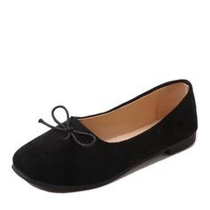 Женщины Замша Плоский каблук На плокой подошве Закрытый мыс с бантом обувь (086164481)