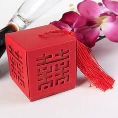 Duas vezes Felicidade cut-out Cubi Caixas do Favor com Pendão (conjunto de 12) (050013410)