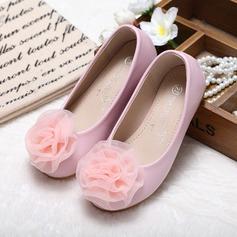 Fille de Bout fermé similicuir talon plat Chaussures plates Chaussures de fille de fleur avec Une fleur (207095567)