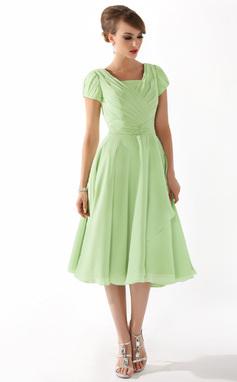 A-linjainen/Prinsessa Square Pääntie Polvipituinen Sifonki Morsiamen äiti-mekko jossa Rypytys Helmikuvoinnit (008005918)