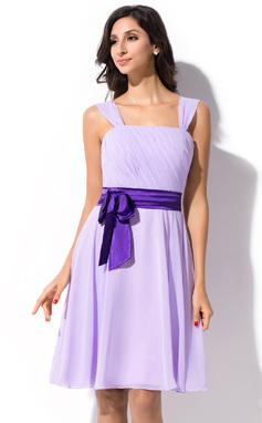 A-linjainen/Prinsessa Polvipituinen Sifonki Morsiusneitojen mekko jossa Rypytys Satiininauhavöitä Rusetti (007055192)