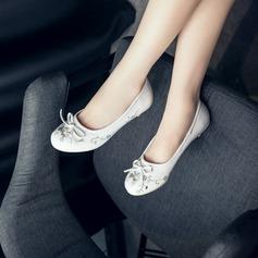 De mujer Cuero Tacón bajo Planos Cerrados con Rhinestone Bowknot zapatos (086126582)